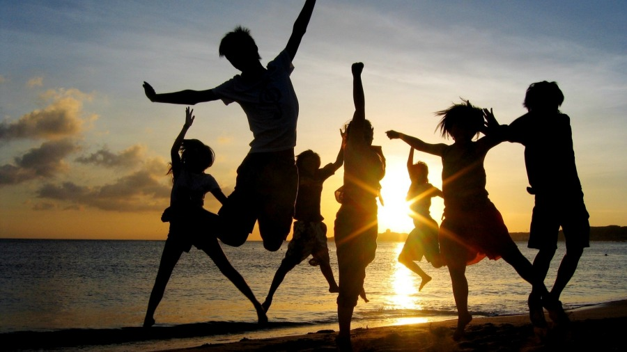 jump_people_happiness_light_sunset_85137_1920x1080